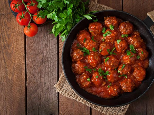 42724761 – meatballs in sweet and sour tomato sauce