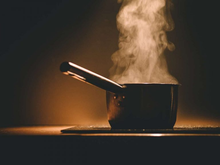 Kochtopf mit Dampf