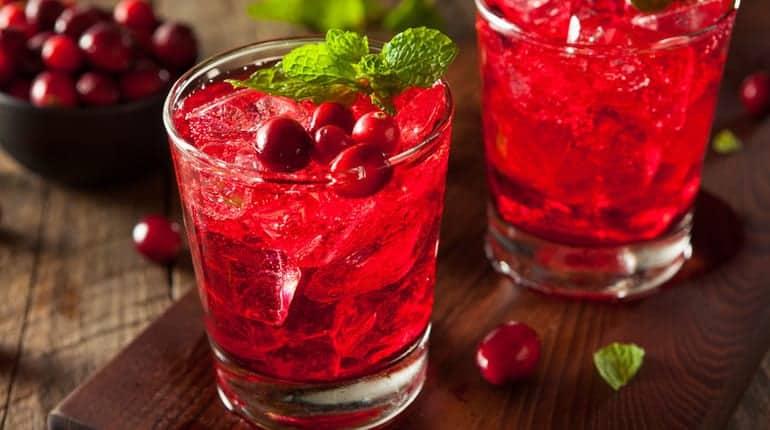 drink-mit-eiswuerfel
