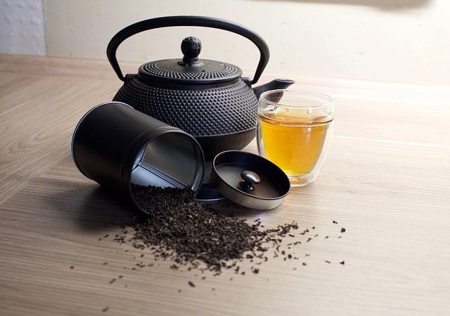 Teekanne mit Aromaverschluss Teedose