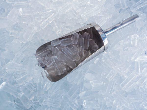 Eiswürfelbereiter