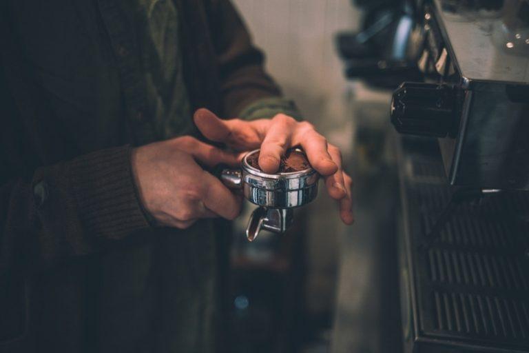 Espressomaschine mit Mahlwerk-3