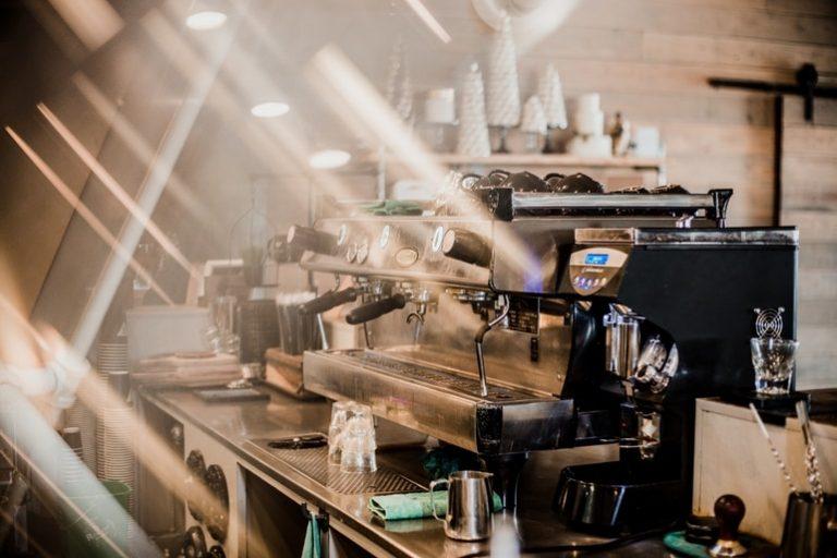 Espressomaschine mit Mahlwerk-1
