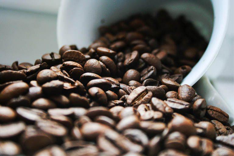 Kaffeemaschine mit abnehmbarem Wassertank-3